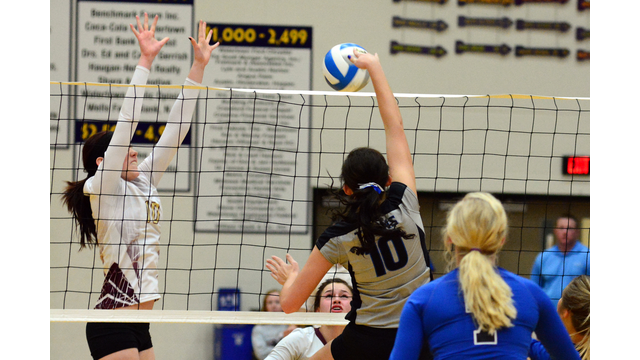 photo of Mt. Vernon/Plankinton playing Lead-Deadwood in volleyball