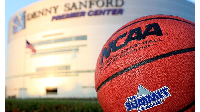 photo of summit league basketball at the Denny Sanford Premier Center