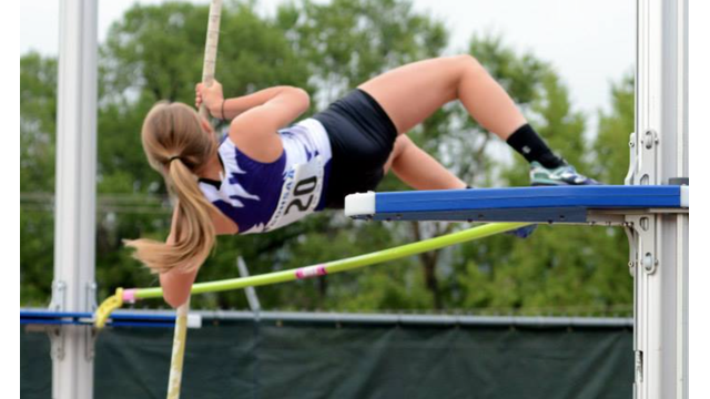 high school girls pole vaulter