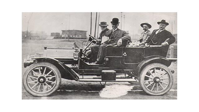 Teddy Roosevelt & Seth Bullock in a Fawick Flyer. Sioux Falls, 1910.