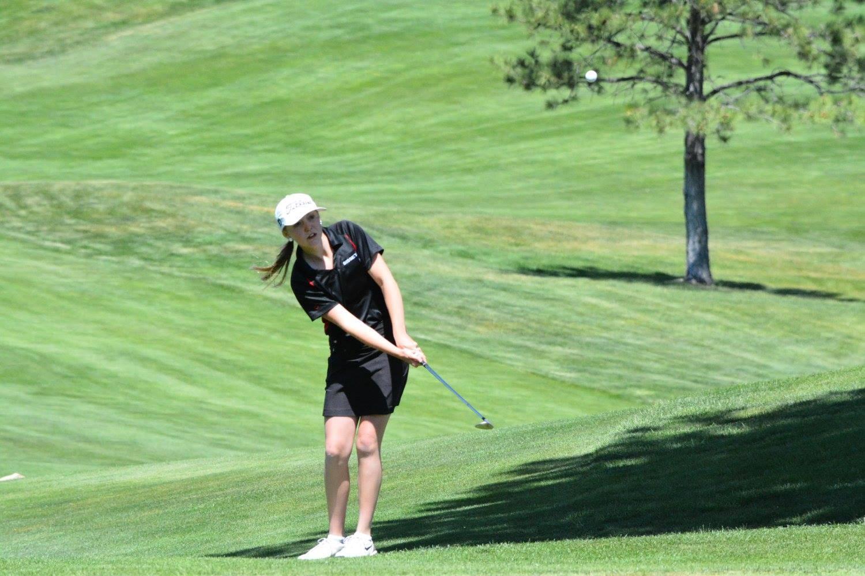 girls golfer