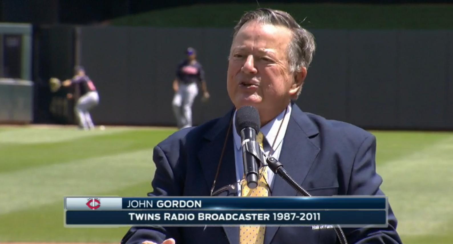 photo of Twins radio broadcaster John Gordon