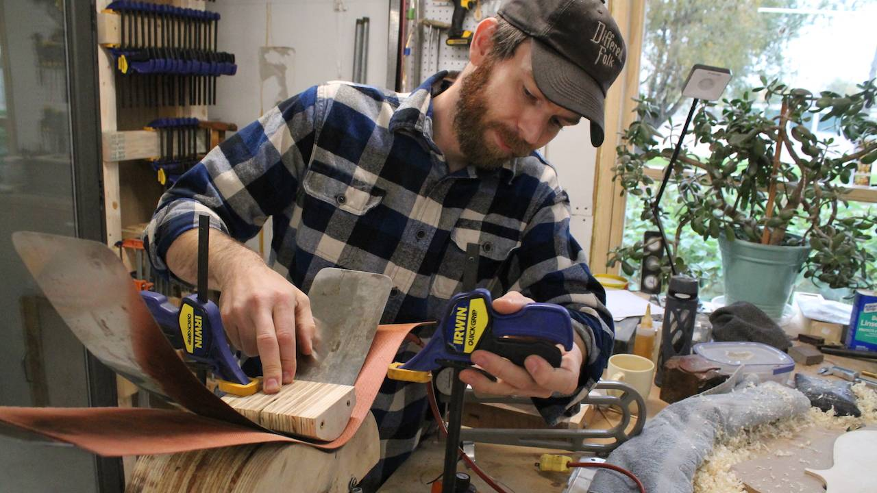 Luthier Josh Rieck
