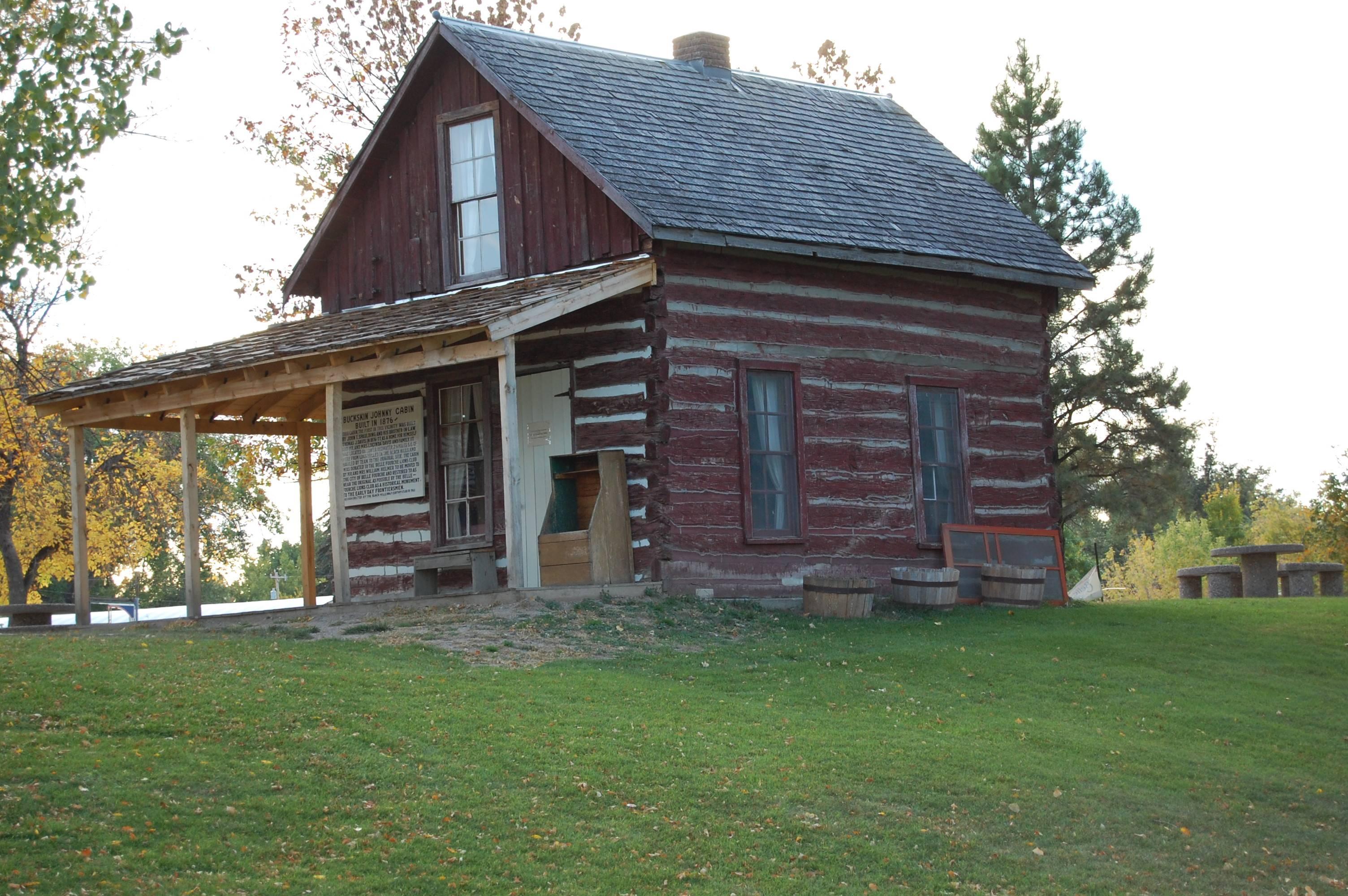 Log cabin in Belle Fourche