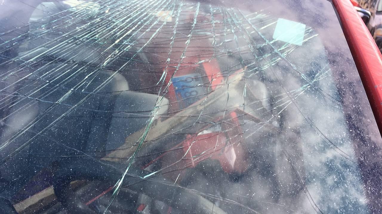 Spiderweb- cracked windsheild