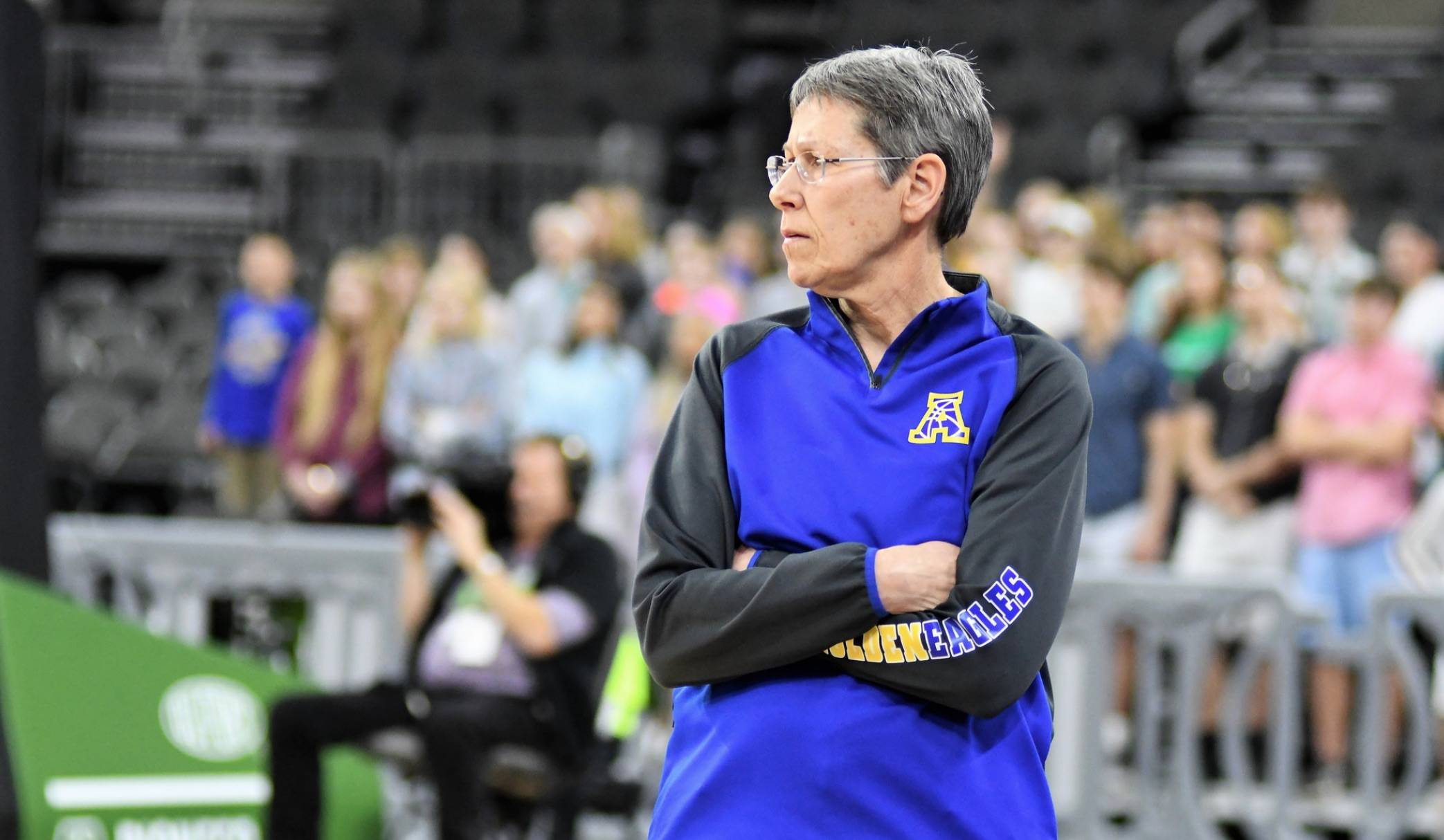 Head coach Dawn Seiler