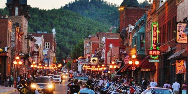 photo of downtown Deadwood