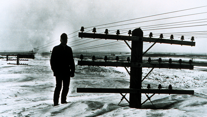 A famous photo from the 1966 Blizzard-ND powerlines buried.