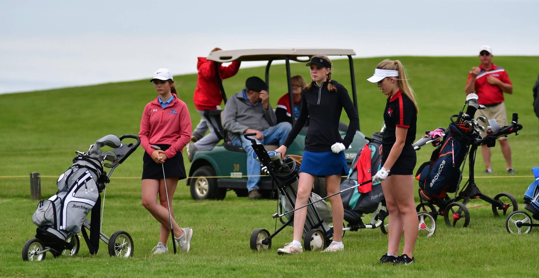 Girl golfers