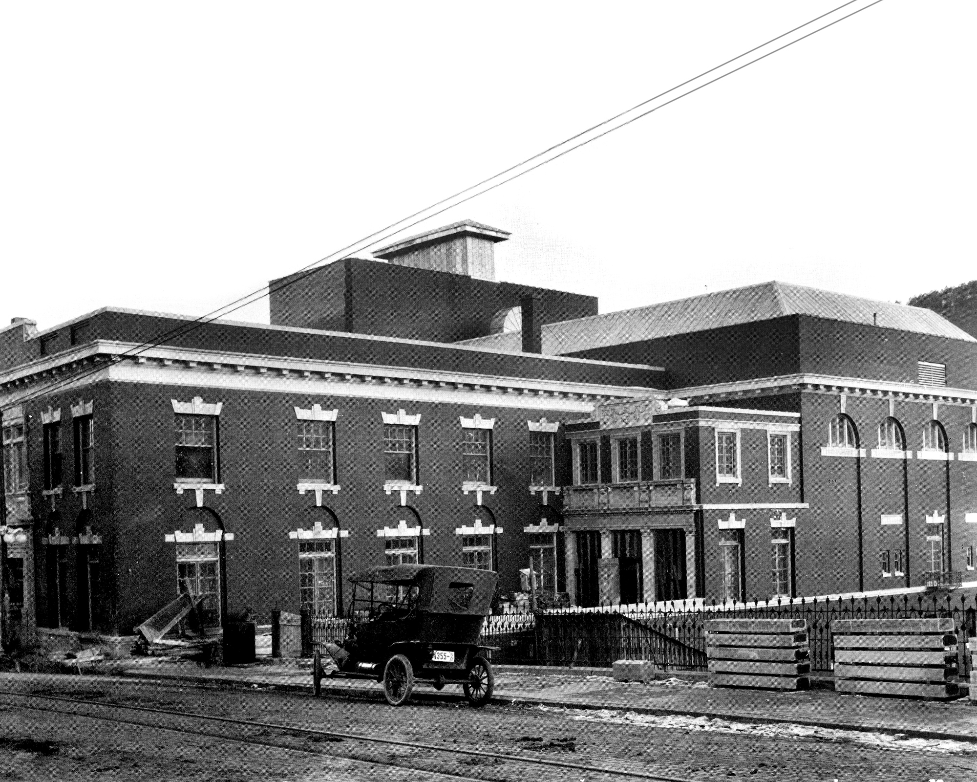 Image - hhoh_old_building_exterior_1913_small.jpg