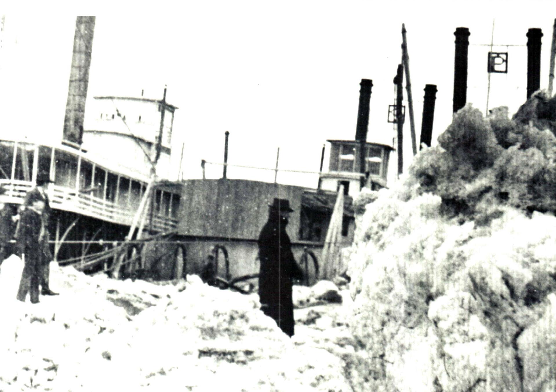 Image - Missouri River 1881 Flood Riverboats.JPG