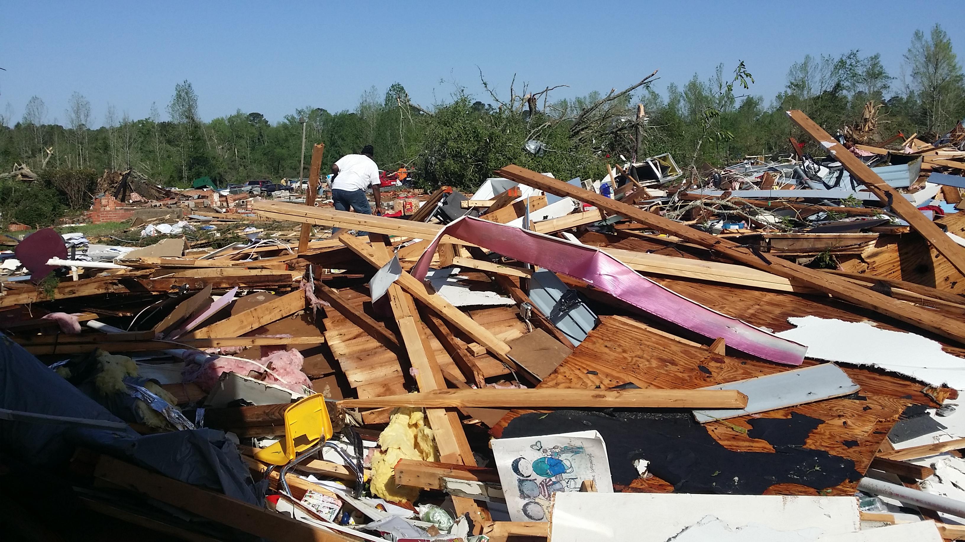 Image \u002D Tornado Injuries.jpg