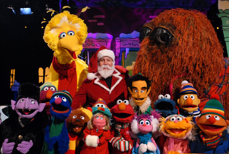 Image \u002D Elmos Christmas Countdown Kevin James Ensemble 2 \u002D Wargo.JPG