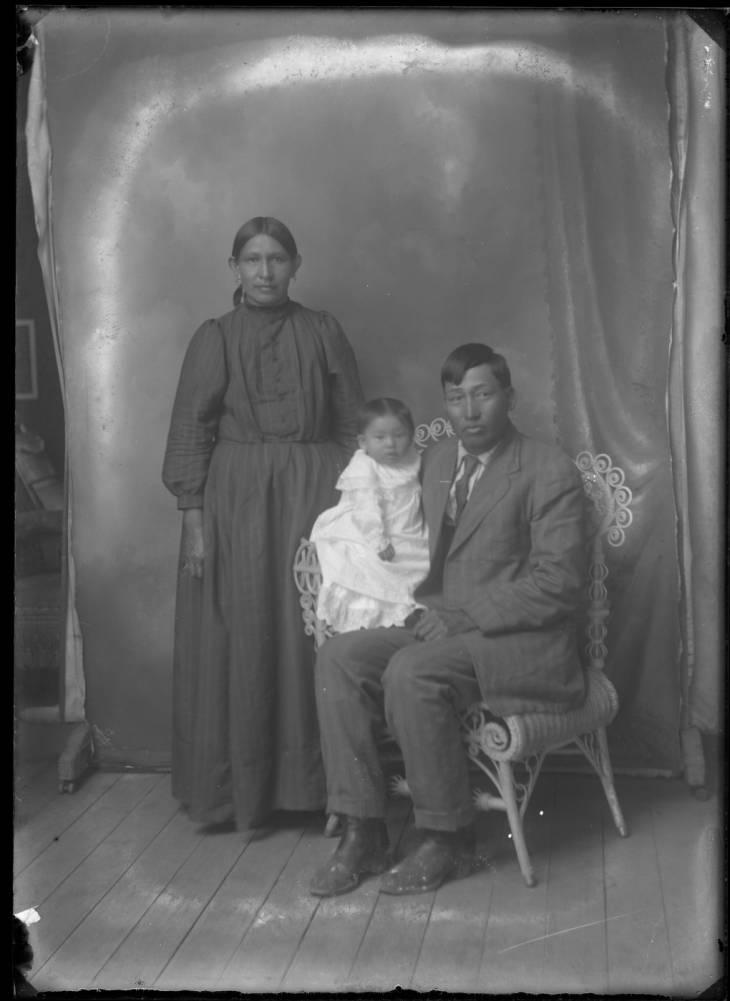 Image - native american familypg.jpg