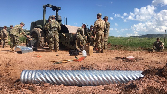 Image - National GUARD eats lunch.jpg