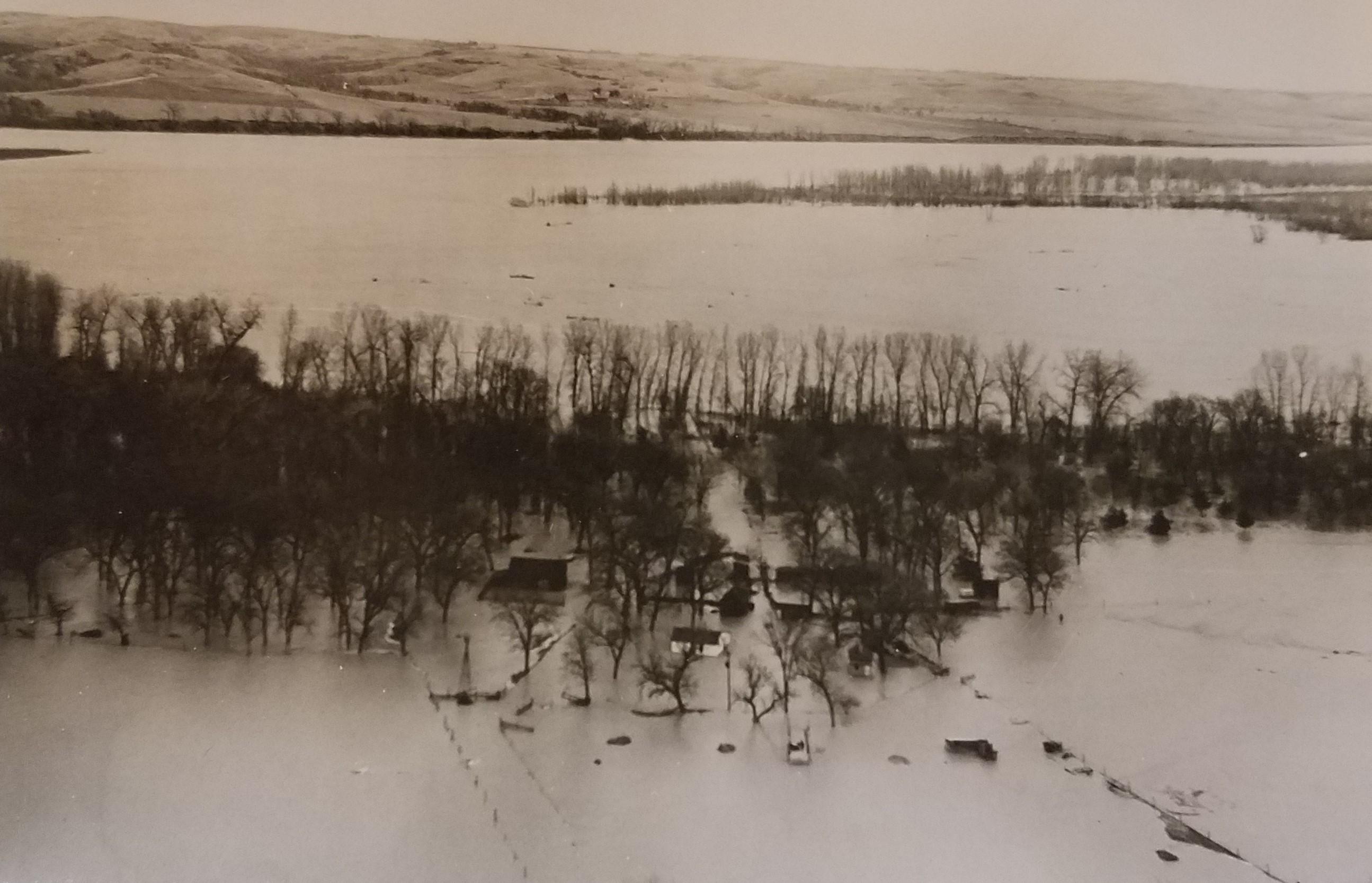 Image - Missouri River Valley Flood2 1952.jpg