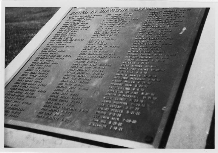 Image - grave-marker.jpg