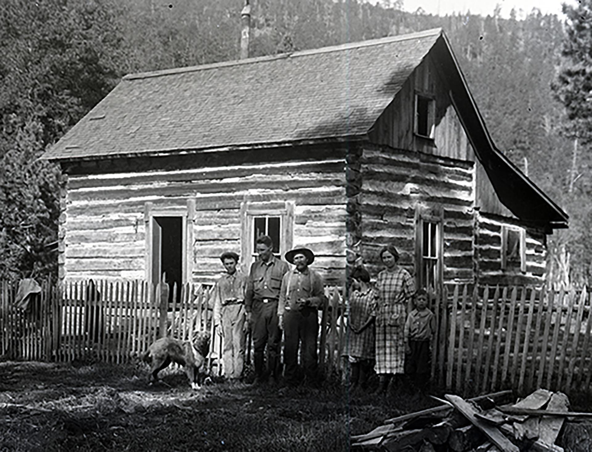 Image - cabin family2.jpg