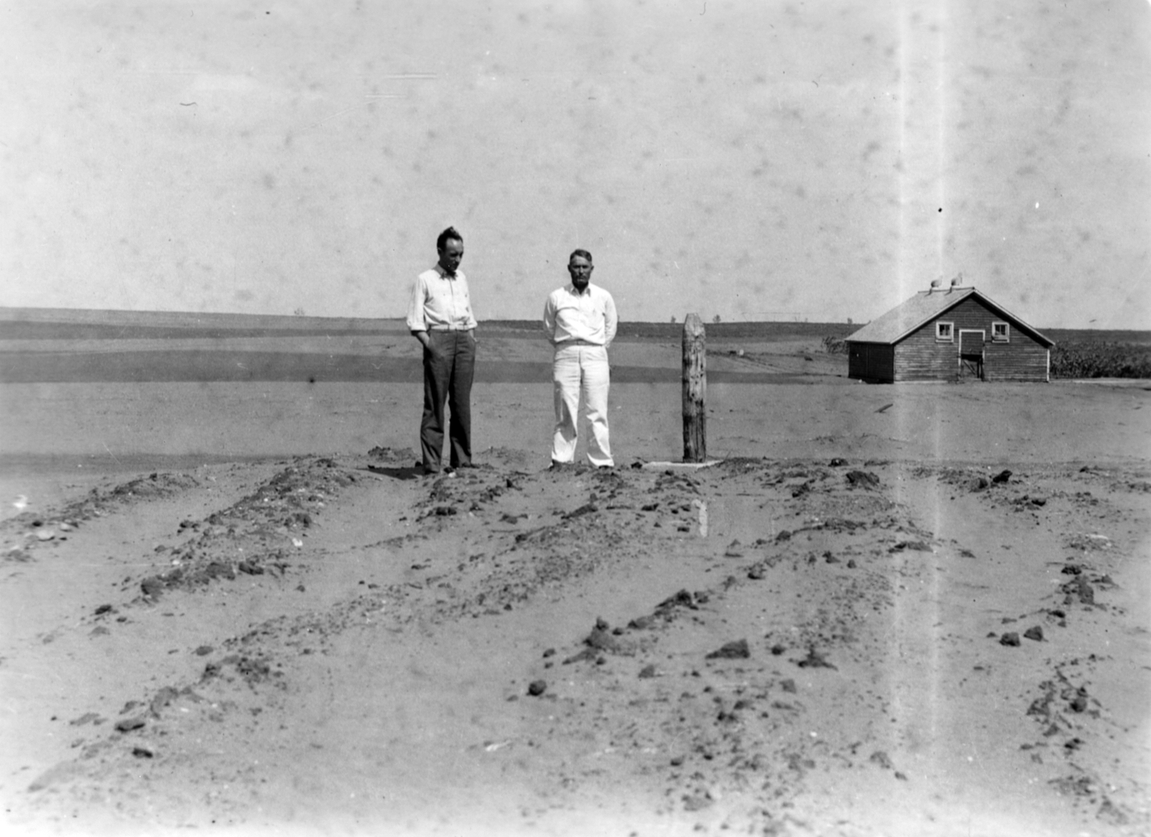 Image - G. A. Barnes & H. J. Clemmer SCS at Karnstrum farm near Wolsey July 20, 1936(1).jpg