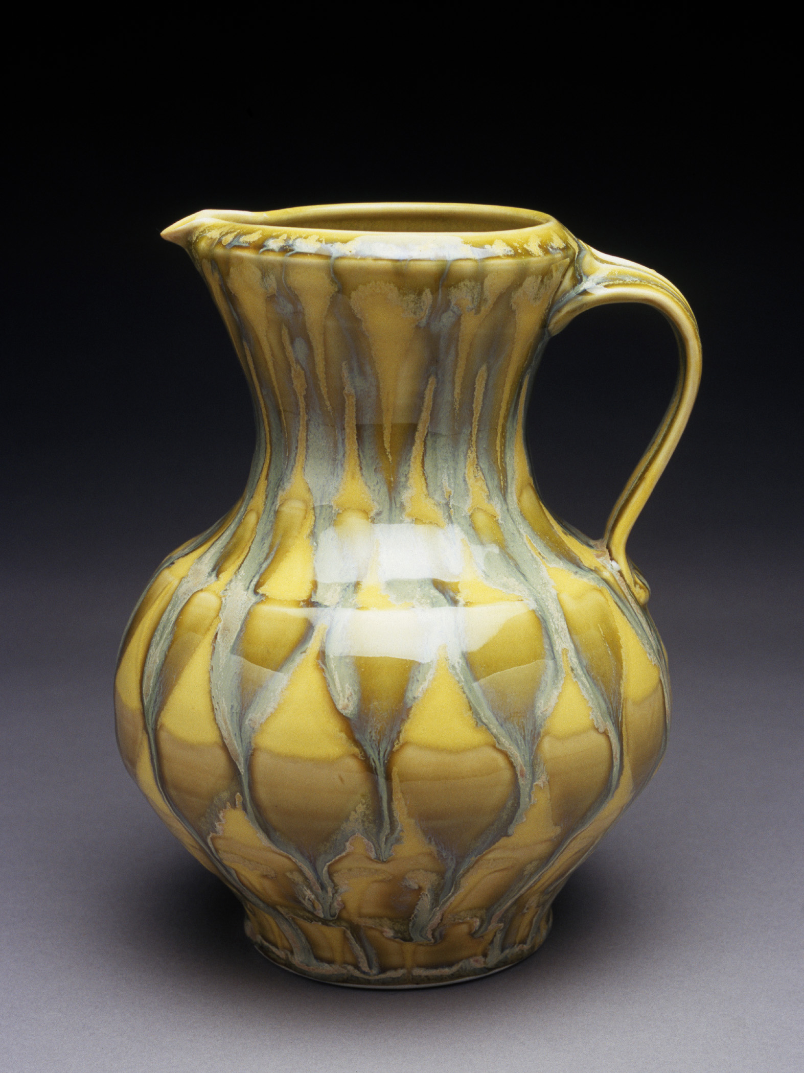 SARAH JAEGER, YELLOW PITCHER, PHOTO: Dean Adams, COMMUNITY episode