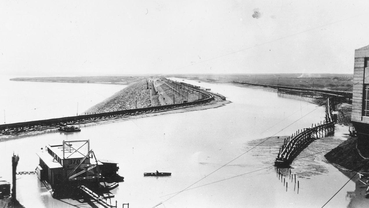 Ziege Fort Peck Dam days 1938 slide Montana