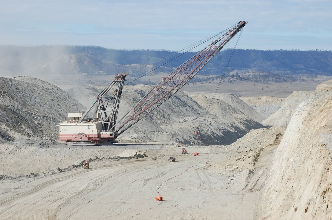 dragline equipment Rosebud mine Colstrip power plant
