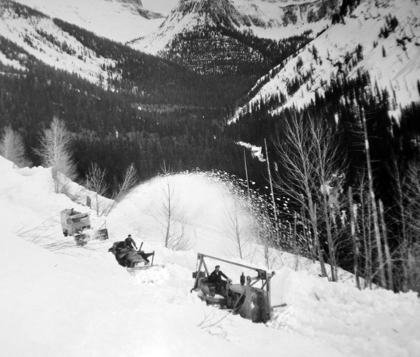 Early - 2 plows - 1950s Credit: Tom Bengtson Pvt Collection