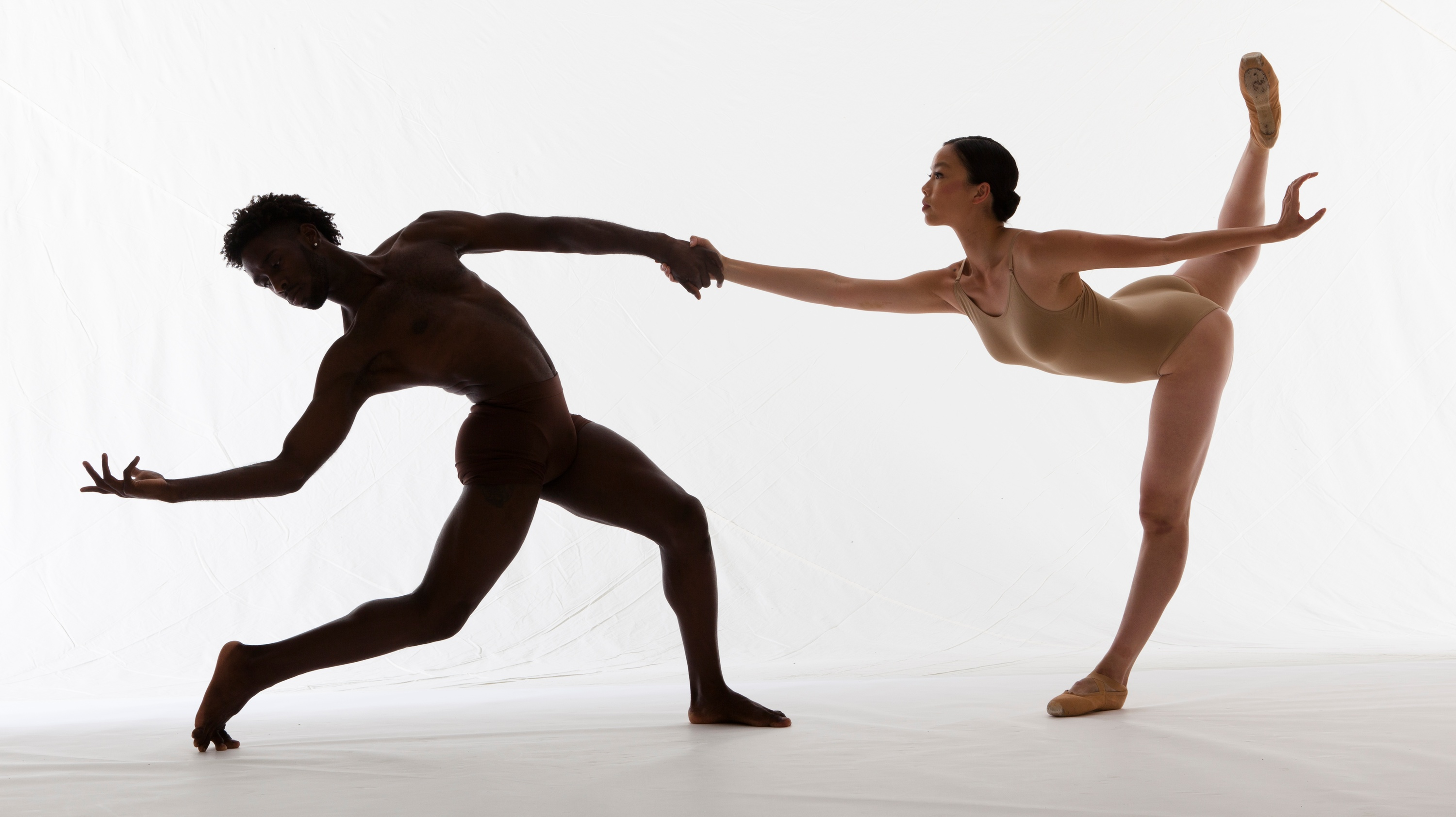 Two James Sewell Ballet dancers.