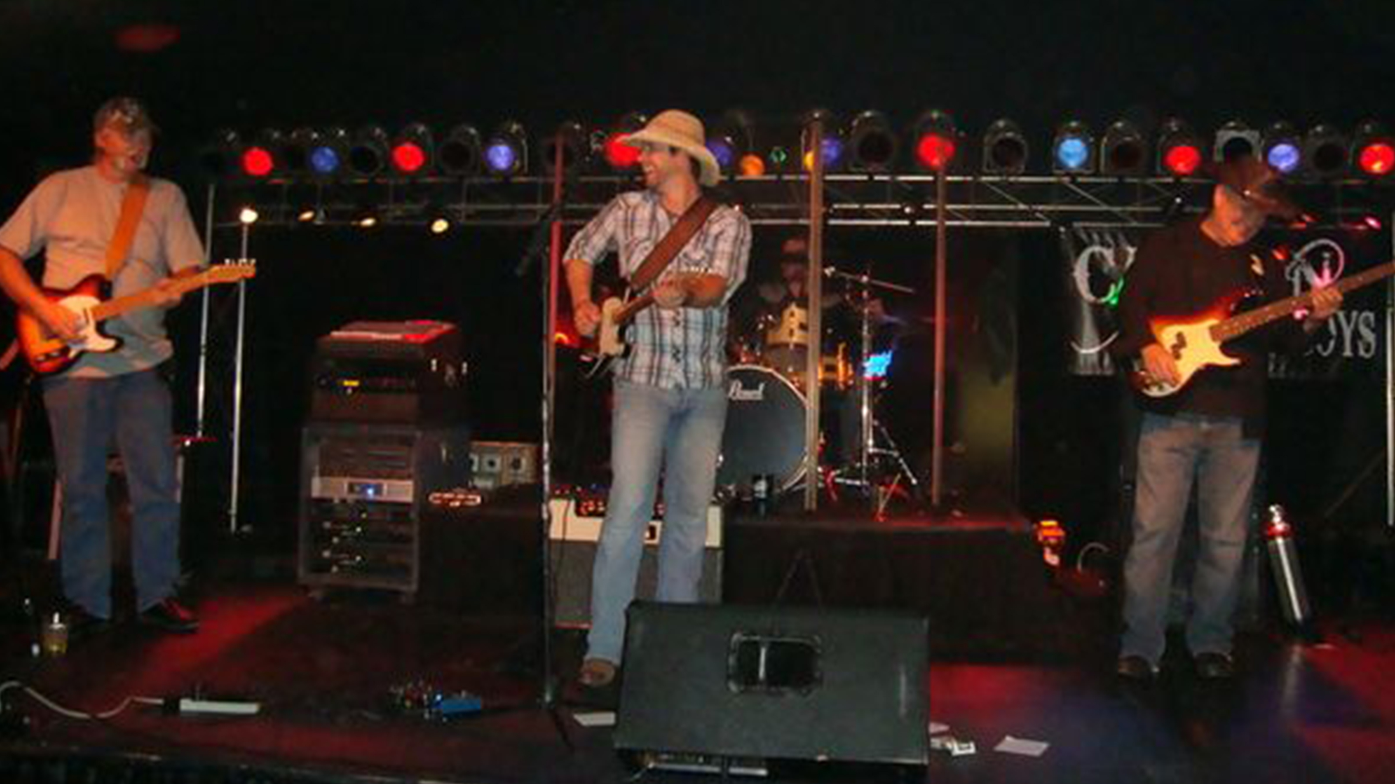 The Canyon Cowboys perfroming live!