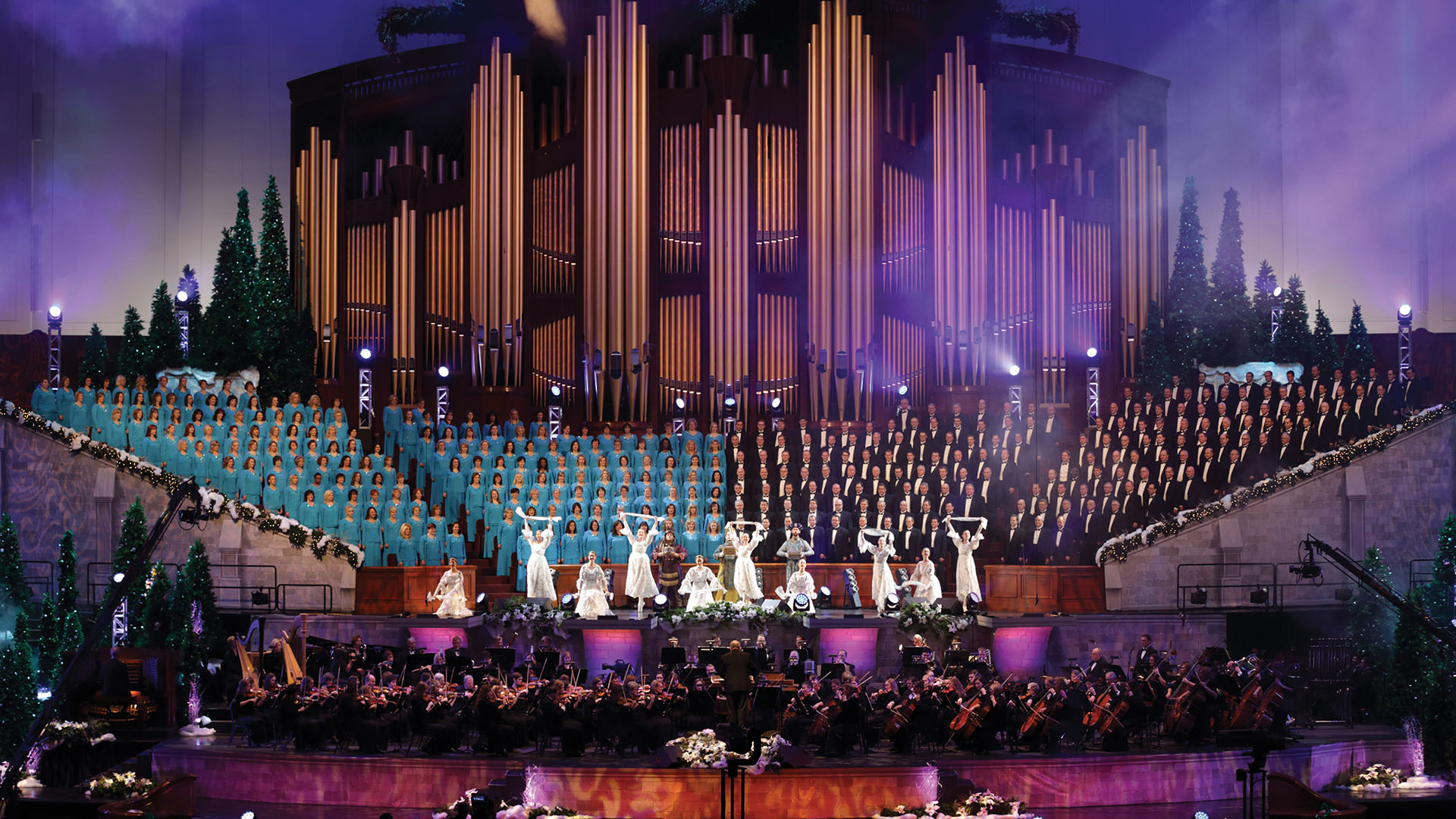 Watch Christmas with the Mormon Tabernacle Choir, Friday, December 15, at 9 PM on UNC-TV