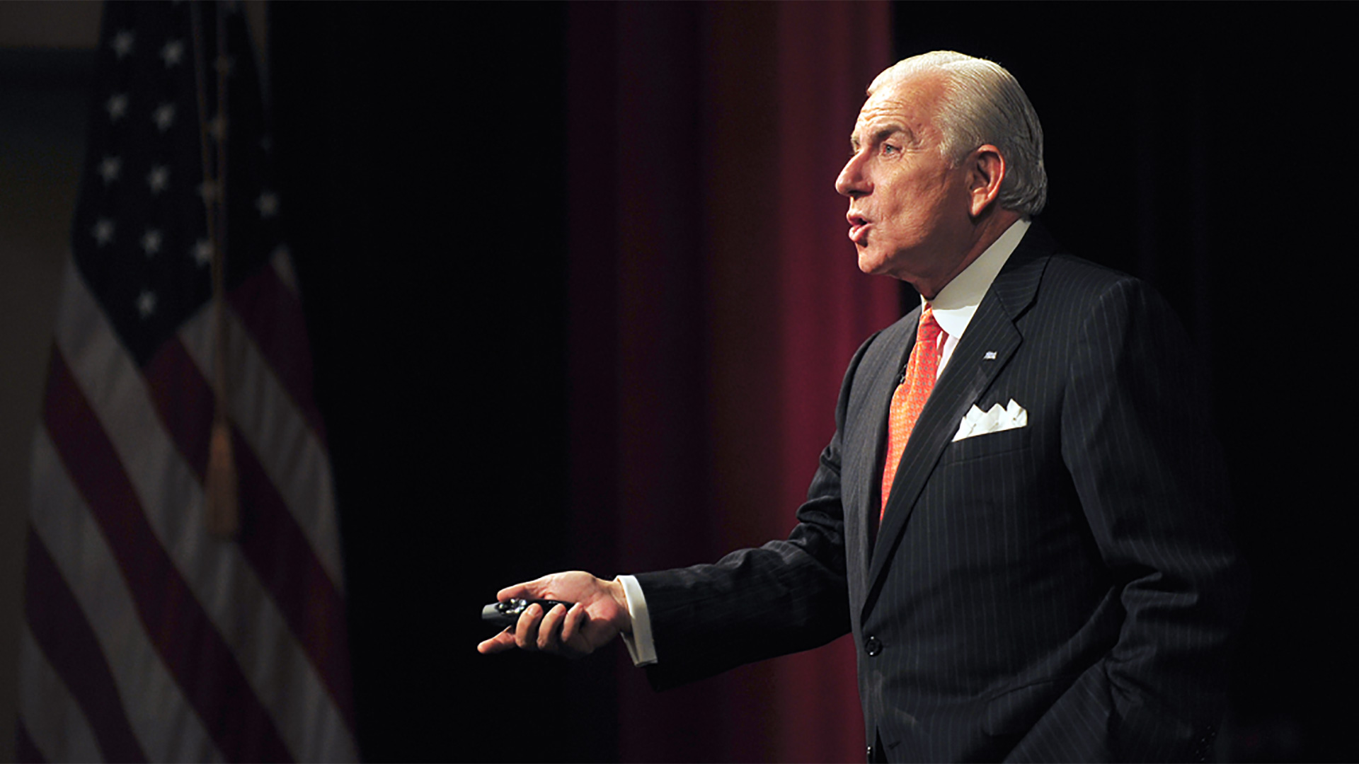 Host, High Point University president Nido Qubein