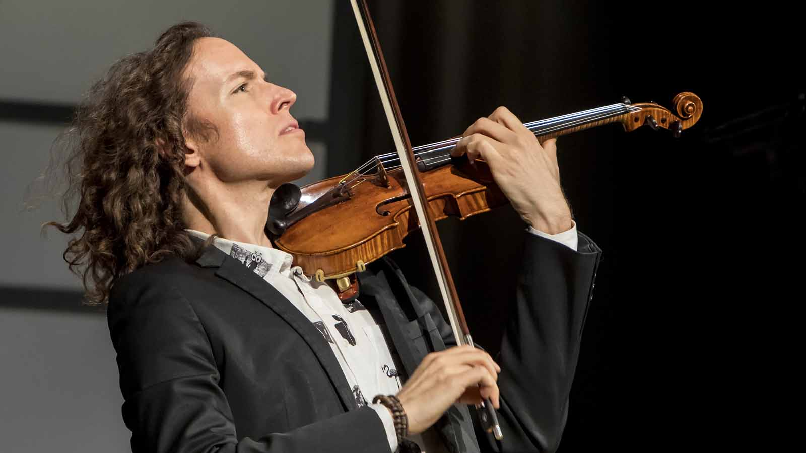 Tim Fain performs at WNED's Classically Fabulous 40th