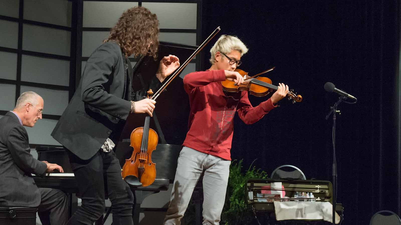 Tim Fain was also part of the masterclass, working with student Hee Sung Kim.