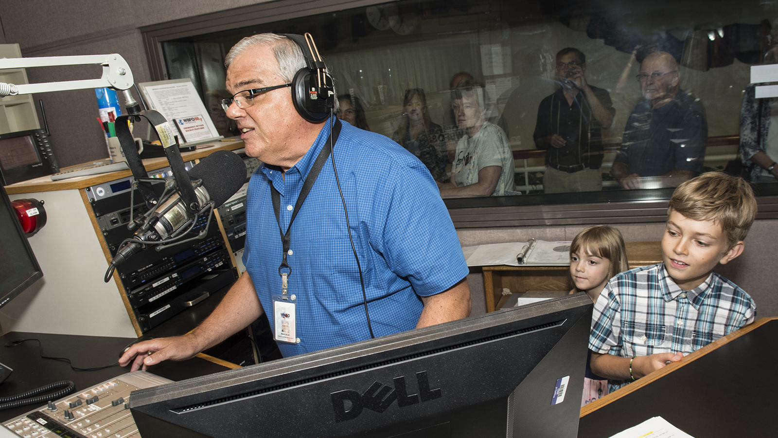 Young listeners enjoying a tour while Mark Scott is on the air.