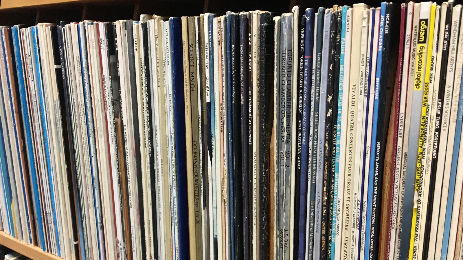 <strong>Used LP &amp; CD Sale In Studio</strong>