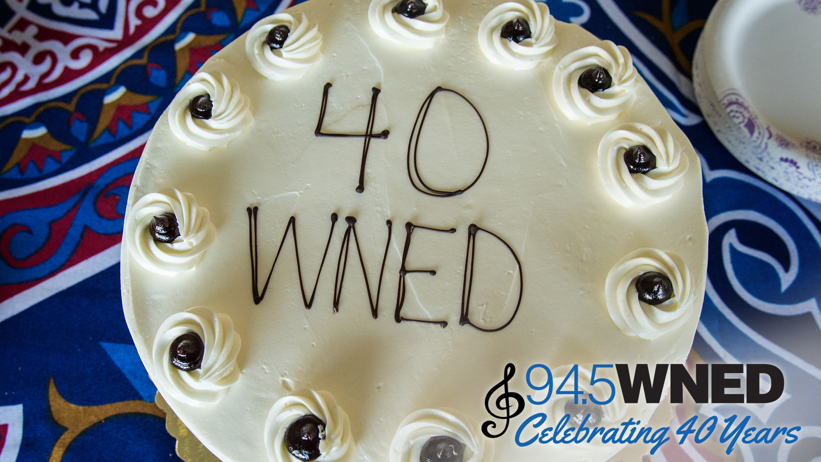 Cake celebrating 40 Years of Classical 94.5 WNED