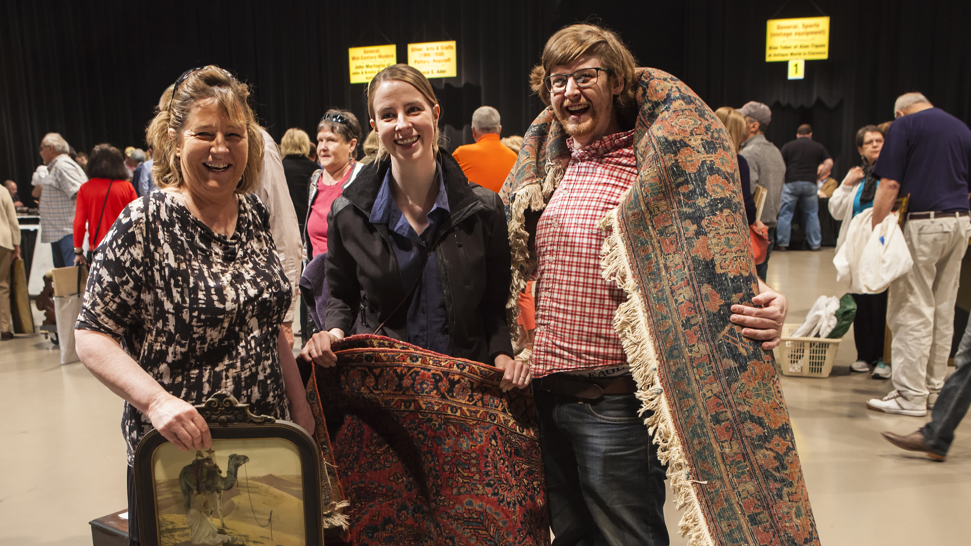 WNED | WBFO Antiques Home Show attendees
