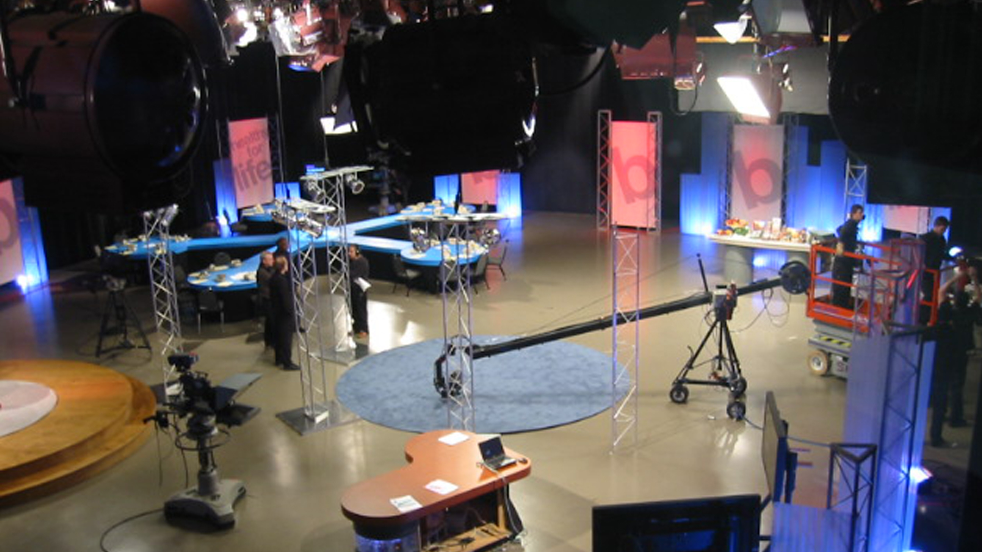 Behind the scenes in the WNED-TV studio as the crew works on lighting.